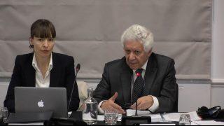 「民衆法廷」顧問を務める国際弁護士のハミッド・サビ(Hamid Sabi)氏(右)。
