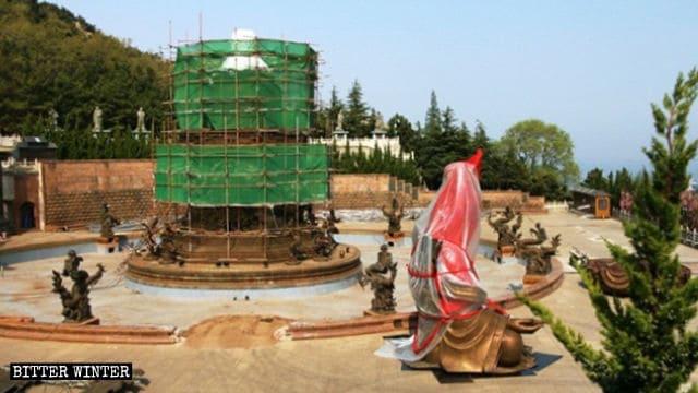 法華寺の滴水観音像は4月下旬に取り壊された。