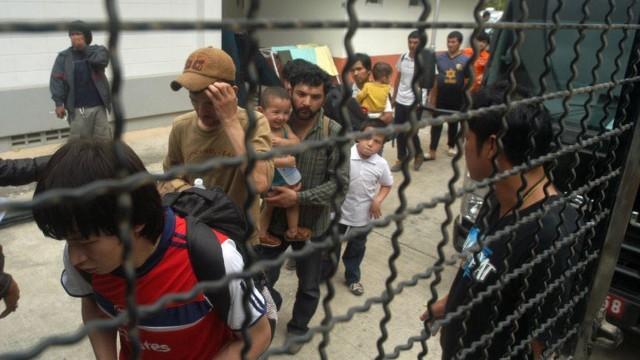 タイで拘束されているウイグル族の人々(写真:世界ウイグル会議)