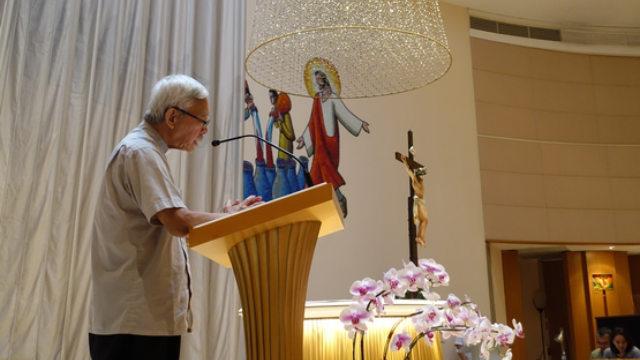 9月15日、カルメル山聖母教会で香港のための祈りを主導する陳日君枢機卿。(写真はUCAnewsから)